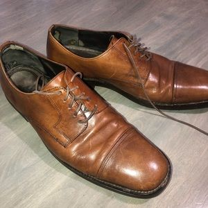 Johnston & Murphy Brown oxford shoes